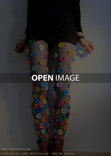 Pantyhose with colorful buttons