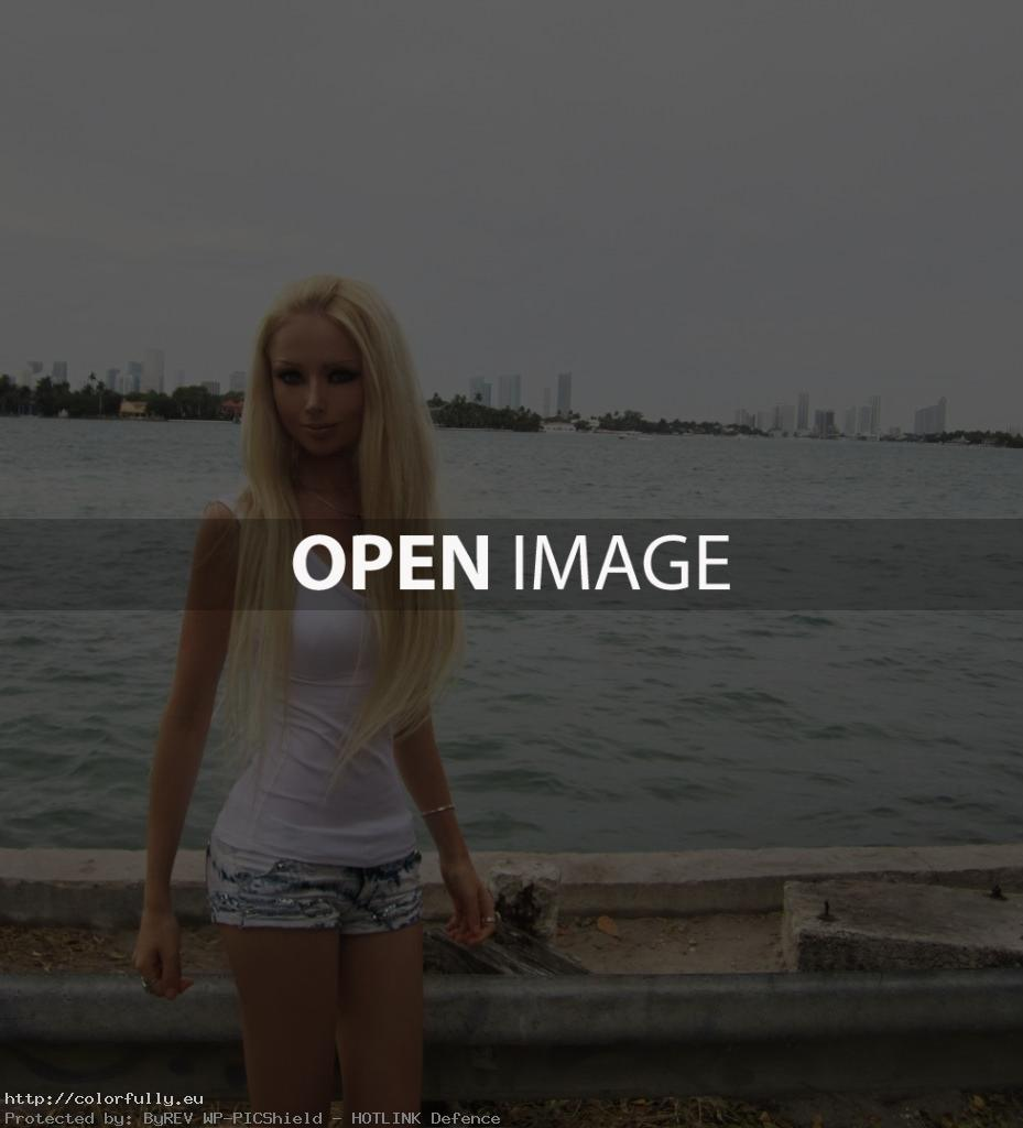 Blonde Russian Girl like Barbie – Valeriya Lukyanova